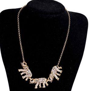 Jewelry - 🐘 Elephants Family Necklace
